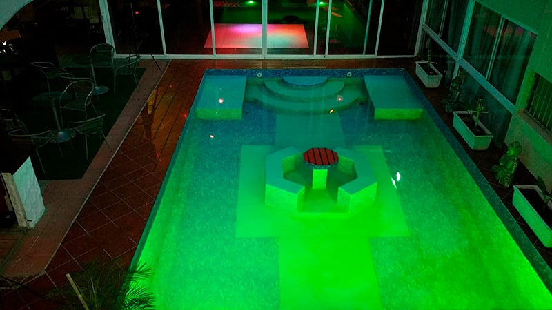 sevilla liberal piscina caliente